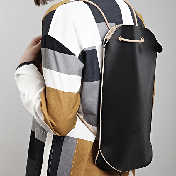 luciela-taschen_oval_backpack-black-bag_small-1470918850-1280-1280-0